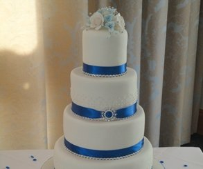 wedding cakes newmarket suffolk sweet temptation cakes wedding celebration amp birthday 25081